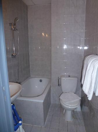 La Residence : Photo de la salle de bain