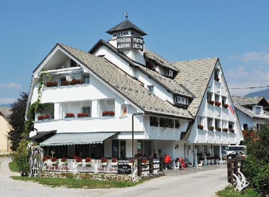 Photo of Hotel Penzion Jagodic Cerklje