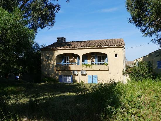Porquerolles Island, Frankrike: Chambres côté patio