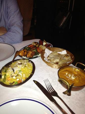 Just India: mix tandori, chicken, rice & naan