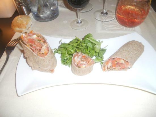 La Vie est Belle: Galette roulée de Sarrazin au crabe et tomates