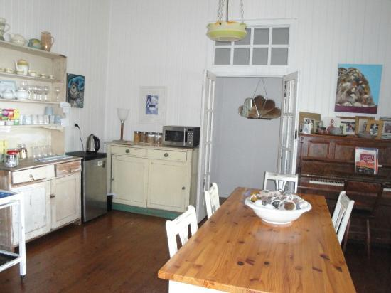 Huskisson Bed and Breakfast: Self serve teas etc area & where breakfast is eaten