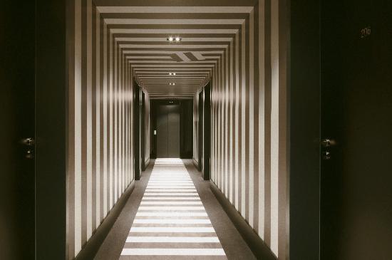 Hotel MANI: Flur
