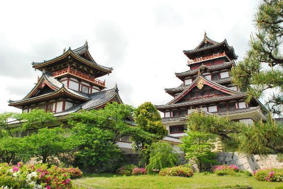 Fushimi Momoyama Castle: 伏見城