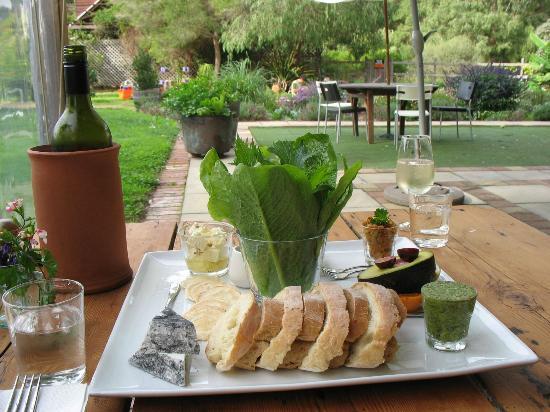 Oranje Tractor  wine: Vegetarian lunch platter in the garden at Oranje Tractor