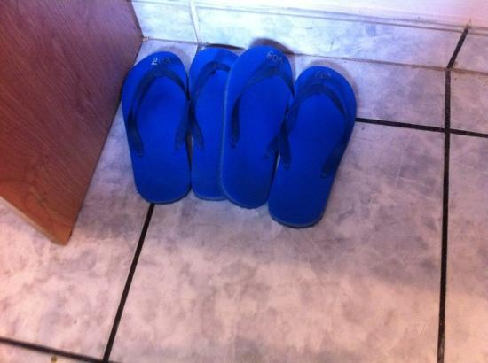 Duna Hotel: rubber recycle slipper