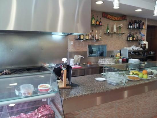 Churrasqueira Moura: The counter