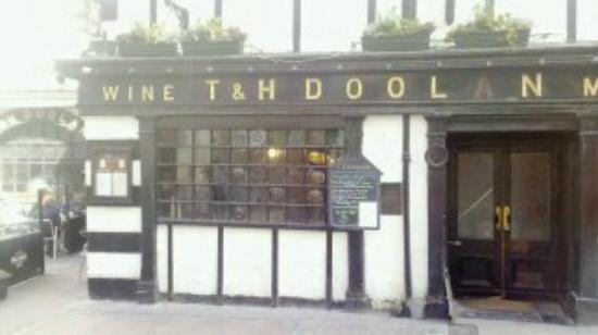 "TH Doolan's Pub: Someone Stole the ""A"""