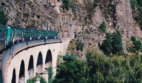 Train touristique des gorges de l 39 allier entre langeac et langogne photo de train touristique - Office de tourisme de l allier ...
