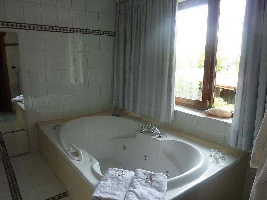 Hotel De Stokerij: jacuzzi