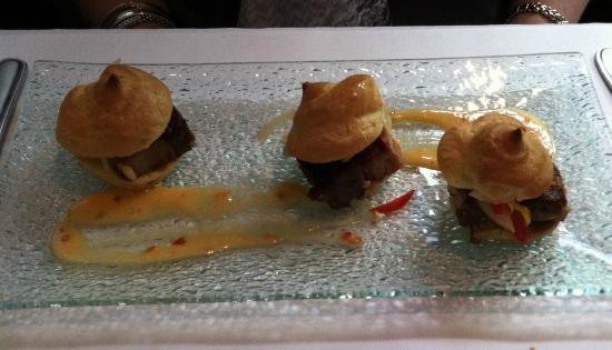 Restaurant Le Grain De Sel : Wild Boar Mini Burgers