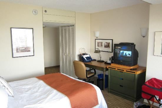 Delta Hotels By Marriott Quebec Room 414 Queen