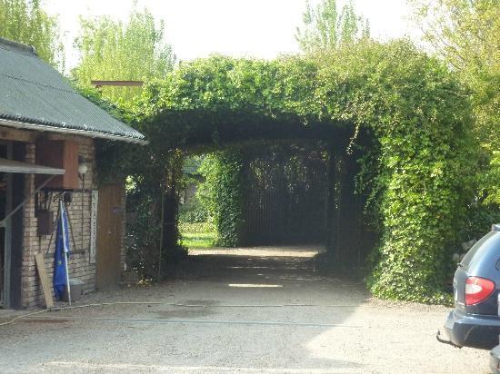 Hotel De Stokerij: l'entrée du parc