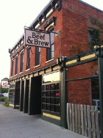 Beef & Brew: Street view of B & B