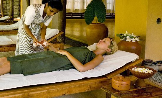 Weligama, Sri Lanka: Treatments in progress at Barberyn Beach