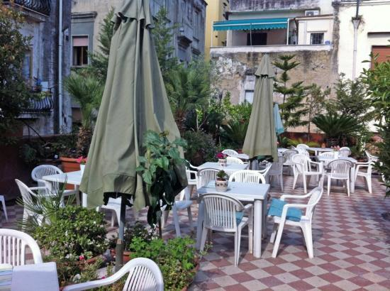 Hotel Toledo: Frühstücksterrasse
