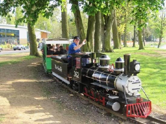 Willow Lake miniature train at Billing Aquadrome