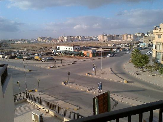 Benghazi, Libia: View from my room, early as this crossroads gets very busy