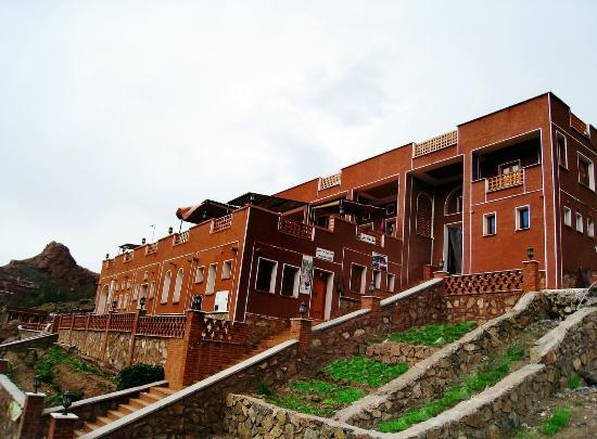 Abyaneh, Iran: Viuna Hotel at the down village