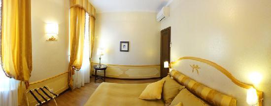 Corte dei Santi: dormitorio
