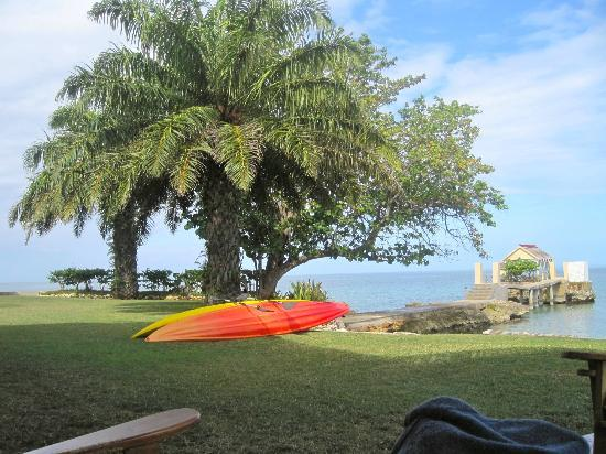 Bluefields Bay Villas: Kayaking was so fun!