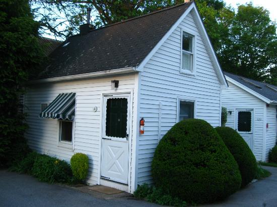 Country Garden Inn and Spa: Our little home - the carriage house has 3 units