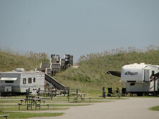 Cape Hatteras KOA Resort: Entrance to beach