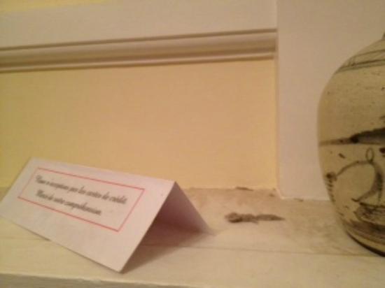 Chateau le Corvier : la poussière n'a pas dû être faite depuis des années !