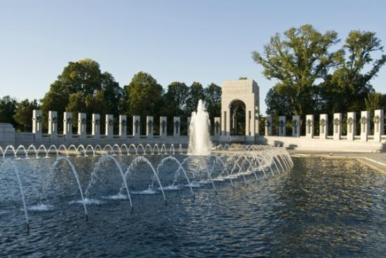 iGuide Tours: The WWII Memorial