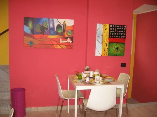B&B A Suello: la sala da pranzo