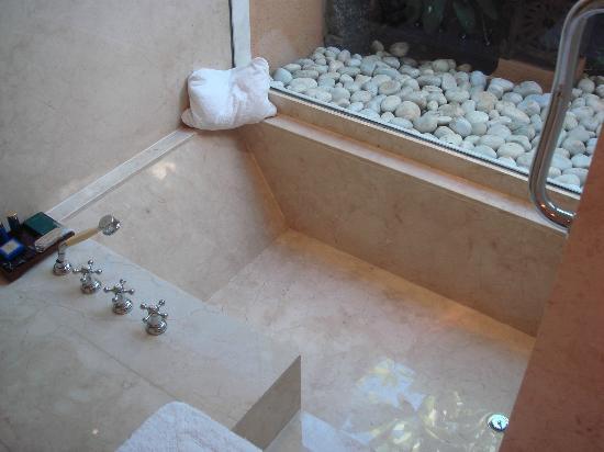 The Oberoi, Mauritius: bath