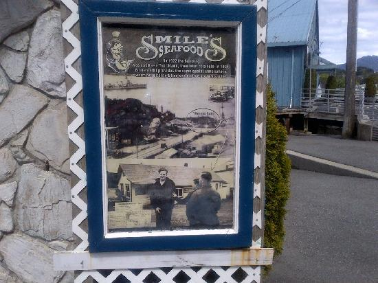 Smiles Seafood Cafe: Be sure to read the history of the building from 1922 to date.
