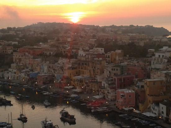 The Port of Corricella : Marina di corricella al tramonto