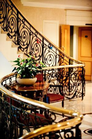 Donbass Palace: Stair case