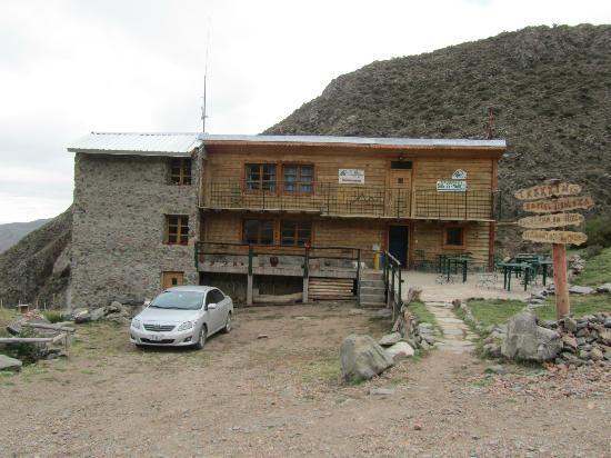 Refugio San Bernardo: Vista desde el frente
