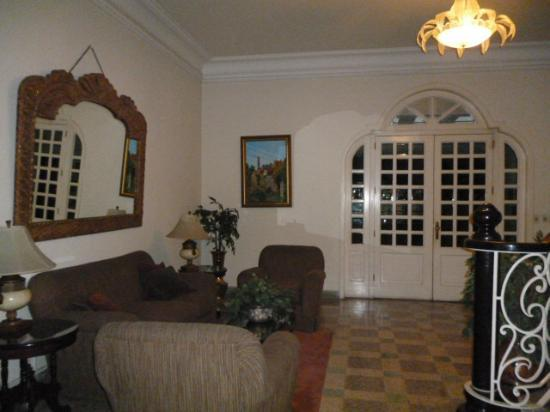 La Casa Grande: Lobby/Living Room Area