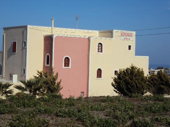 Koronios Villa: Arrière de la villa Korionos