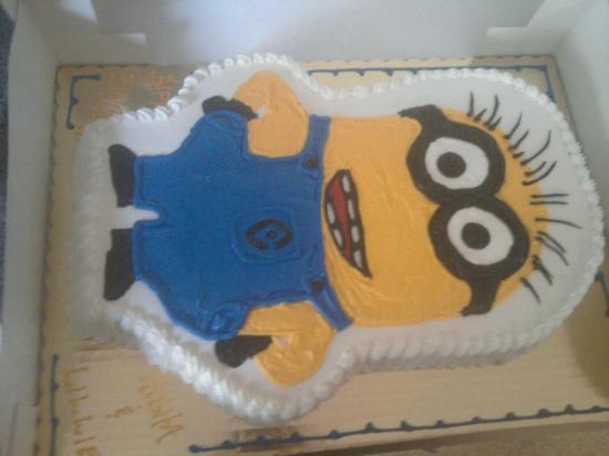 Menasha, WI: Friends Birthday Cake