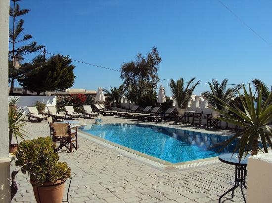 Koronios Villa: Agréable piscine
