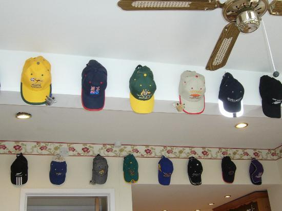 Burswood Guest House: Hats from Australia