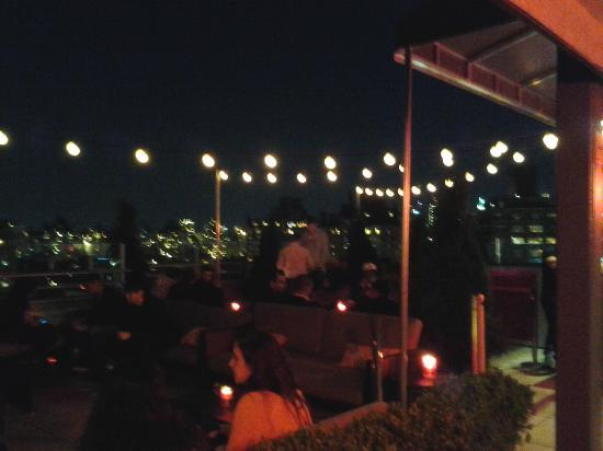 plunge Rooftop Bar & Lounge at Hotel Gansevoort: The outside section