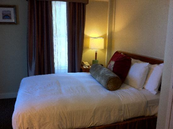 Jefferson Clinton Hotel: Euro Room - Tiny but cozy
