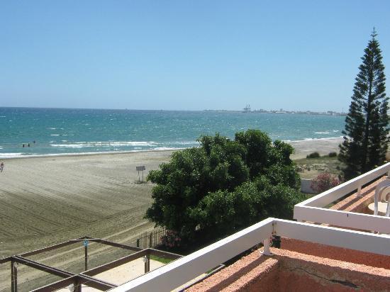 Lenios Beach Hotel: on the right