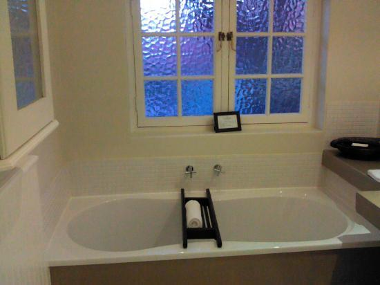 Rutland Lodge: Tub