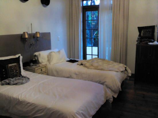 รัทแลนด์ ลอดจ์: My bedroom at the Rutland Lodge, Cape Town, South Africa