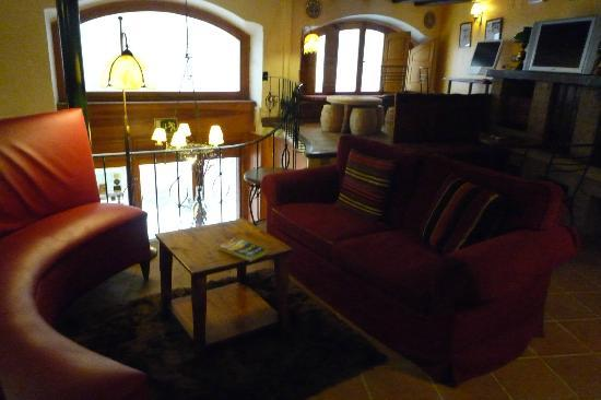 Hostal Grau: Lounge area with free internet