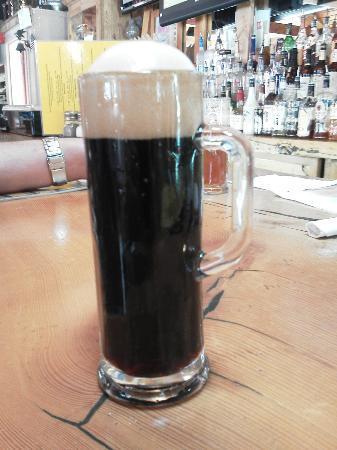 Smugglers Brew Pub: delicious coffee prorter