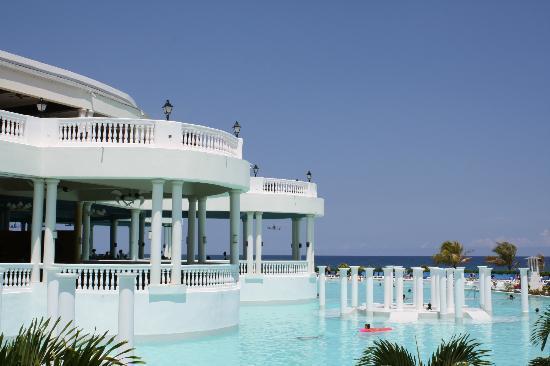 Grand Palladium Jamaica Resort & Spa: The Infinity Pool