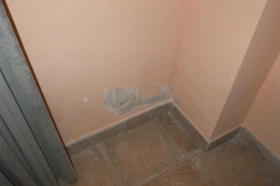 El Encinar Valldemossa Hotel: Putz bröckelt