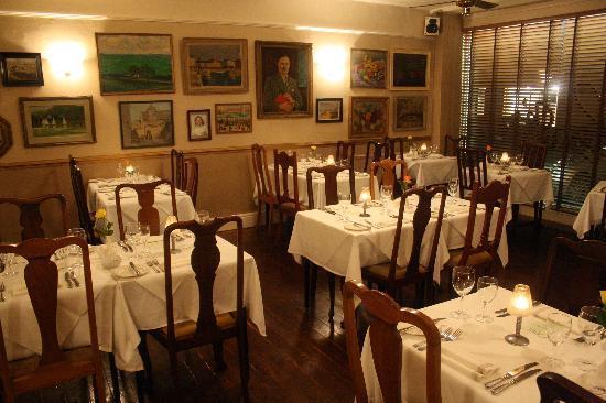 Brook's: Dining Room